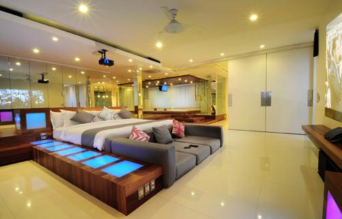 21-VILLA-MINGGU---FIRST-FLOOR---BEDROOM-LOFT.jpg
