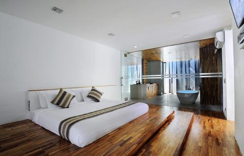 33-VILLA-MINGGU---GROUND-FLOOR---BEDROOM-GLASS.jpg