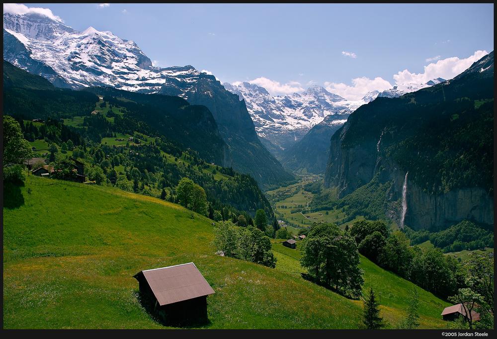 jungfrau_valley.jpg