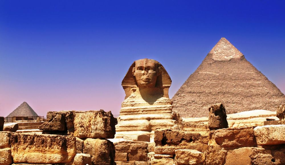 hi-res1-sphinx-and-pyramids.jpg