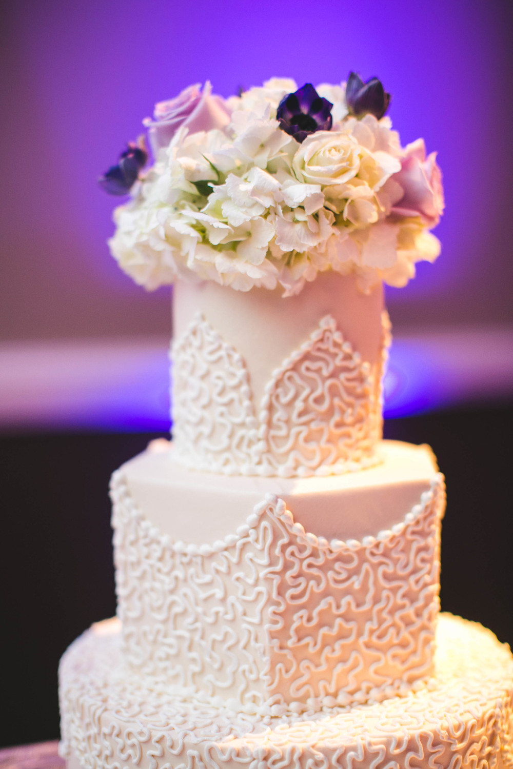 custom-wedding-cake-piped-pearl-detail-texture.jpg
