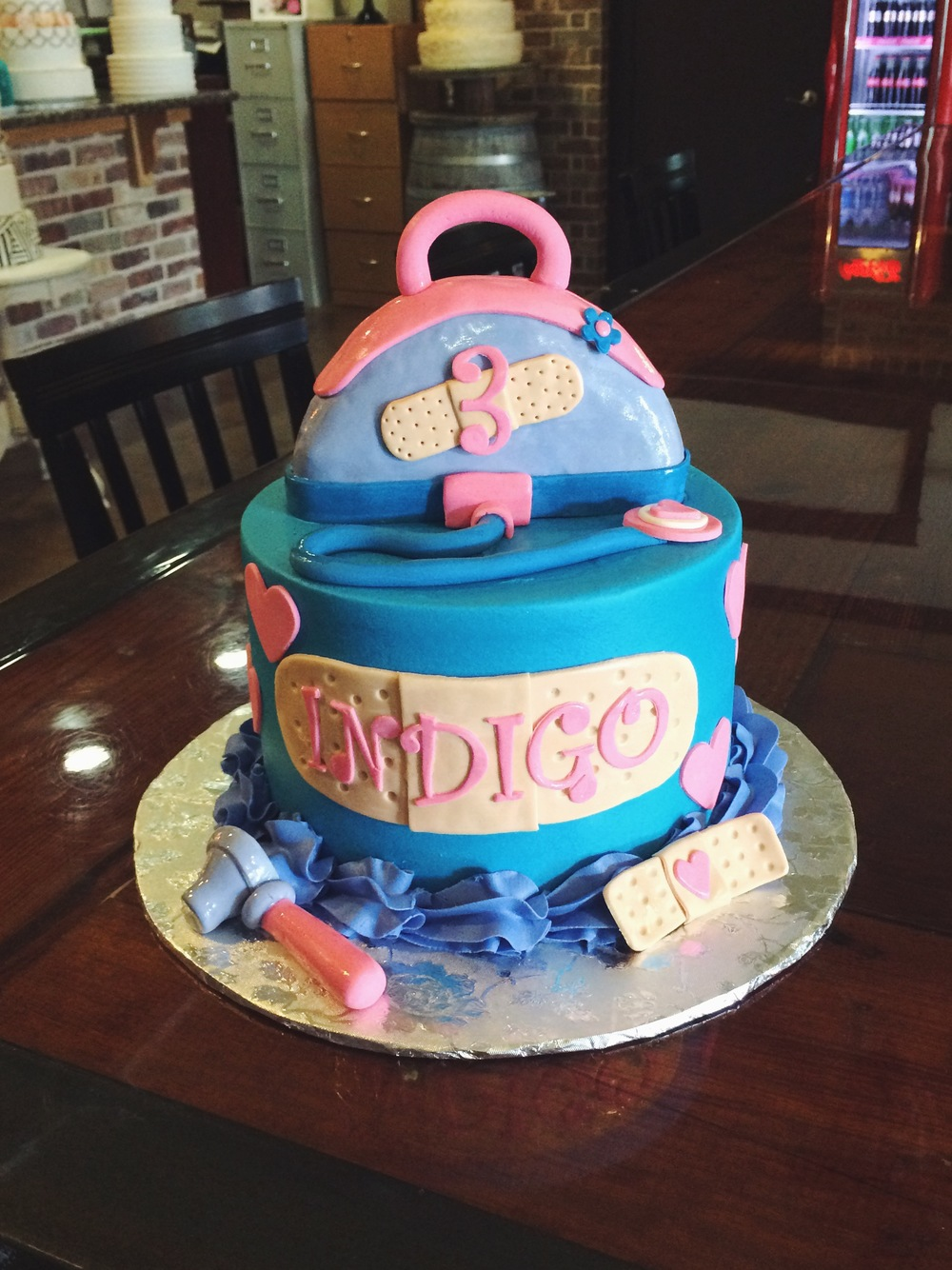 docmcstuffins-party-cake-sugarbeesweets.JPG