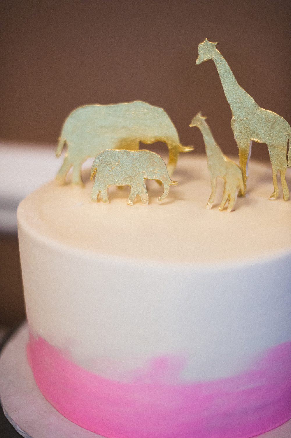 ombre-painted-gold-animals-party-cake-sugarbeesweets.jpg