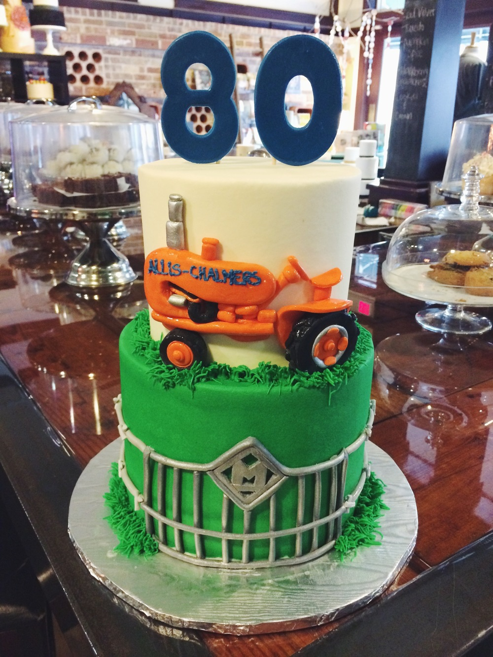 tractor-party-cake-sugarbeesweets.JPG