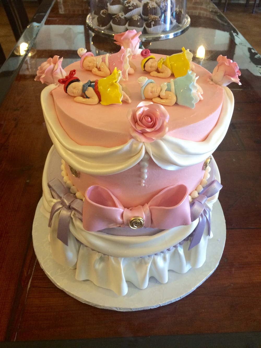 Sleeping_baby_princess_shower_cake-sugarbeesweets.jpg
