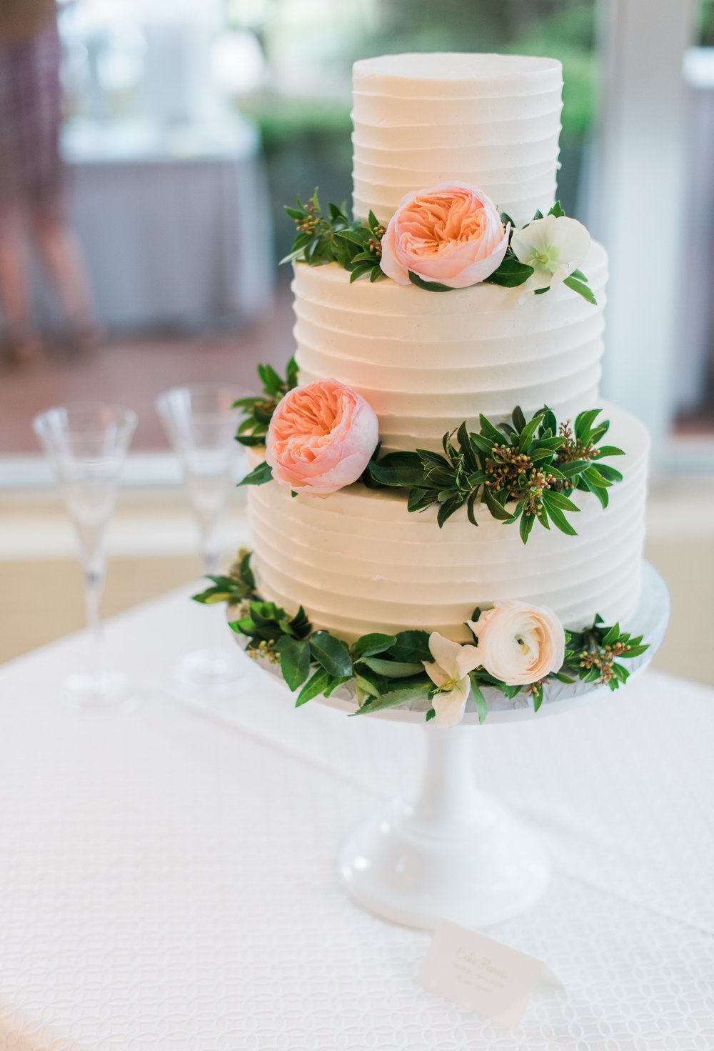 textured_buttercream_custom_wedding_cake_fresh_floral_sugarbeesweets.jpg