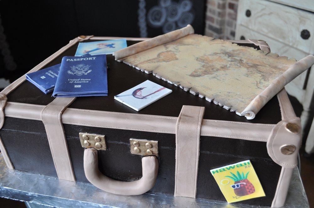 Suitcase Cake w: Map_2.jpg