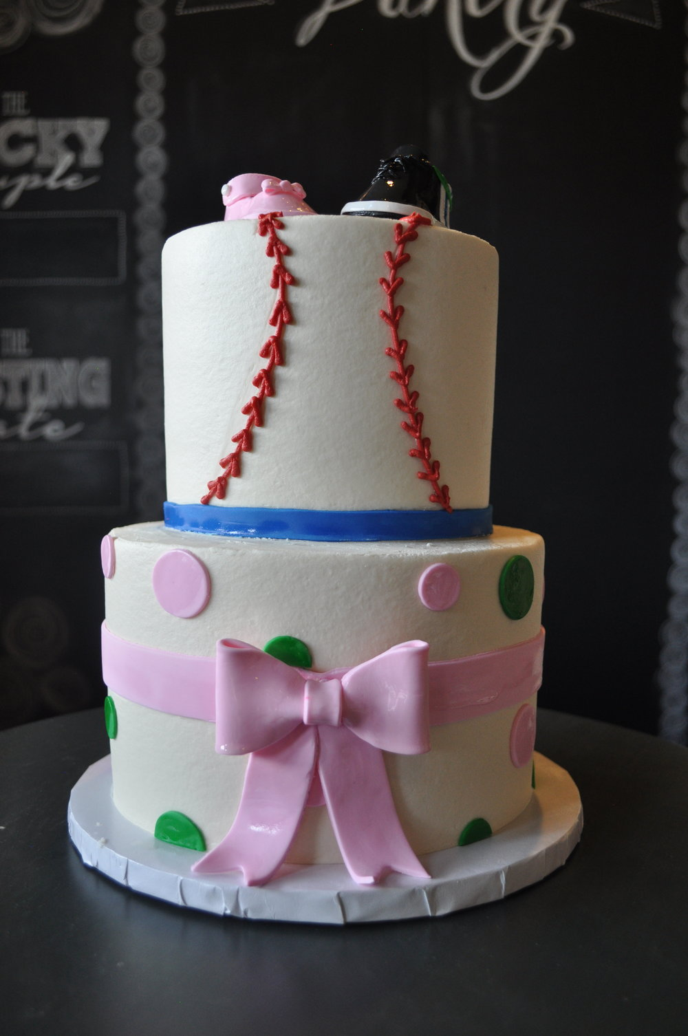 Baby Shower_Baseball or Bows 2.jpg