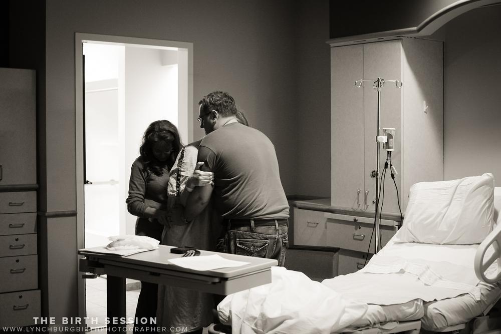 Virginia-Baptist-Birth-Photographer_0003.jpg