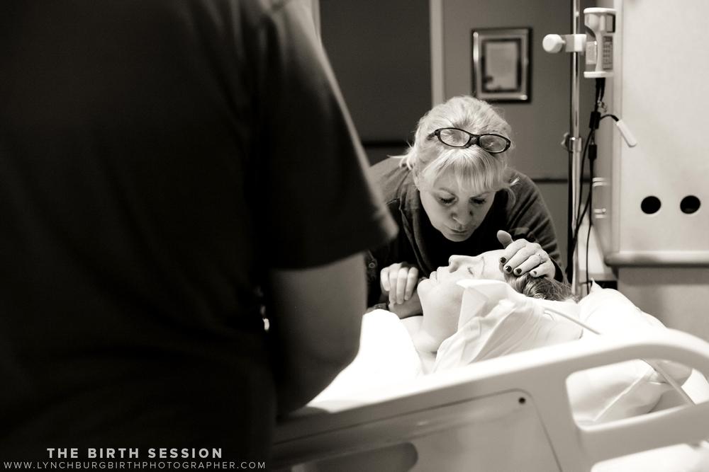 Virginia-Baptist-Birth-Photographer_0010.jpg