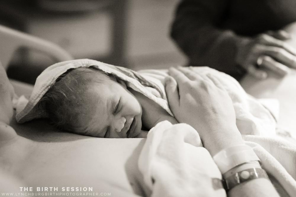 Virginia-Baptist-Birth-Photographer_0027.jpg