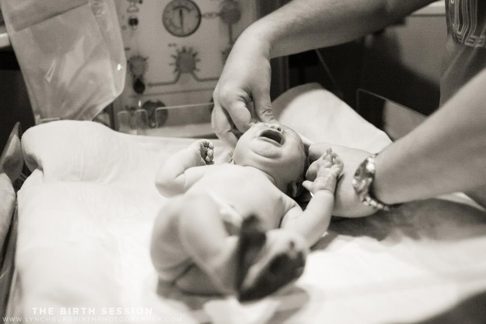 Virginia-Baptist-Birth-Photographer_0038.jpg