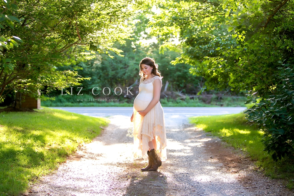 lynchburg_maternity_pictures__0013.jpg
