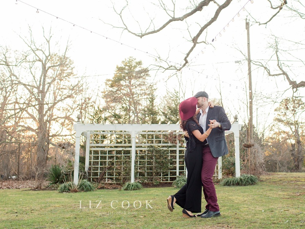 glencliff_manor_engagement_liz_cook_photography__0032.jpg