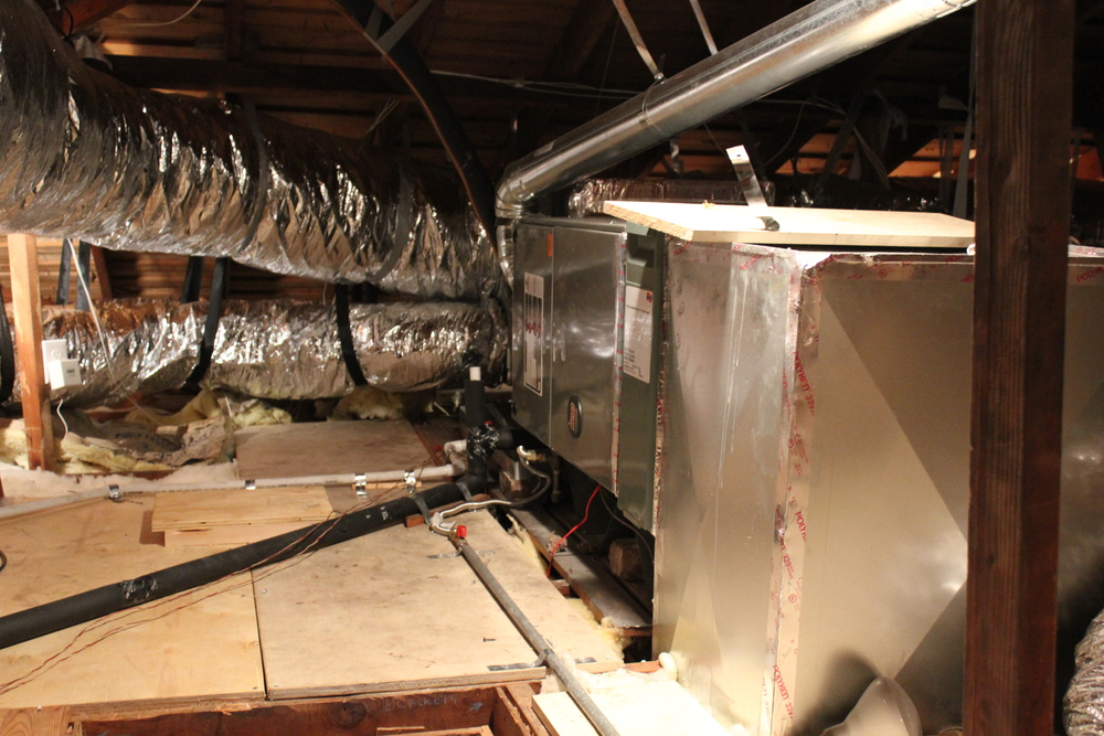 This is an ac installation performed in Houston Memorial, TX - Clean and High Efficiency.