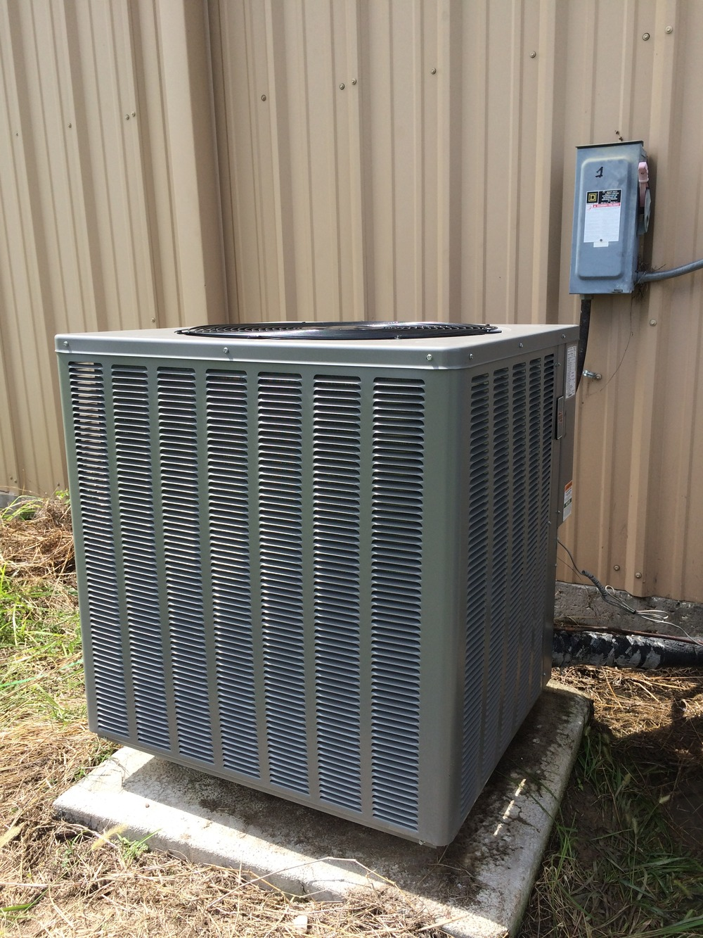 New Ruud Condenser 13 SEER 3 phase 5 ton