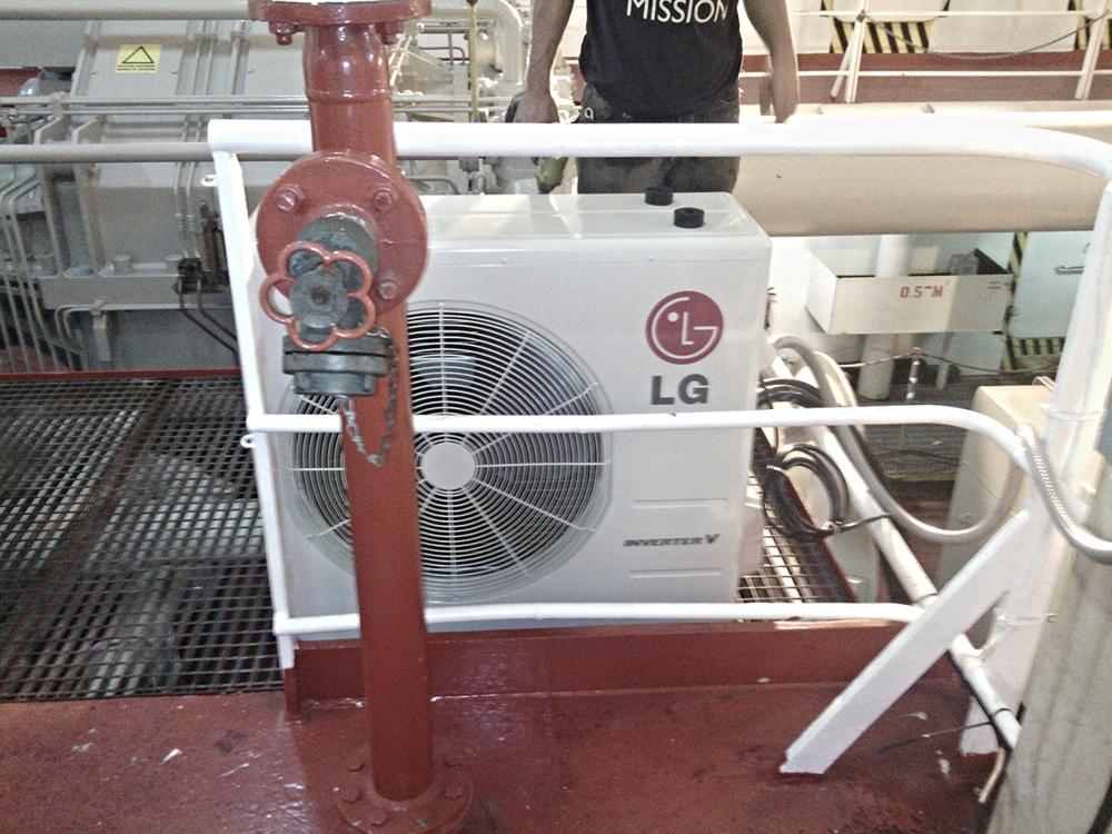 LG 30,000 BTU Minisplit installed on a boat