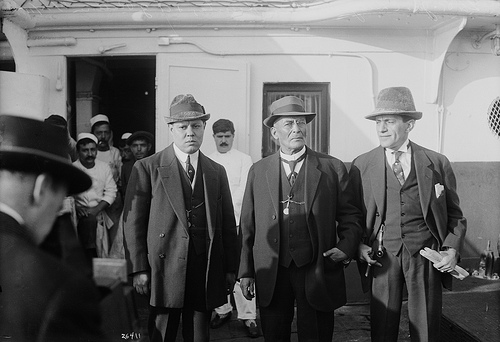 Victoriano Huerta (middle) with Abraham Z. Ratner (right) and Jose Delgado (left) in New York in 1915