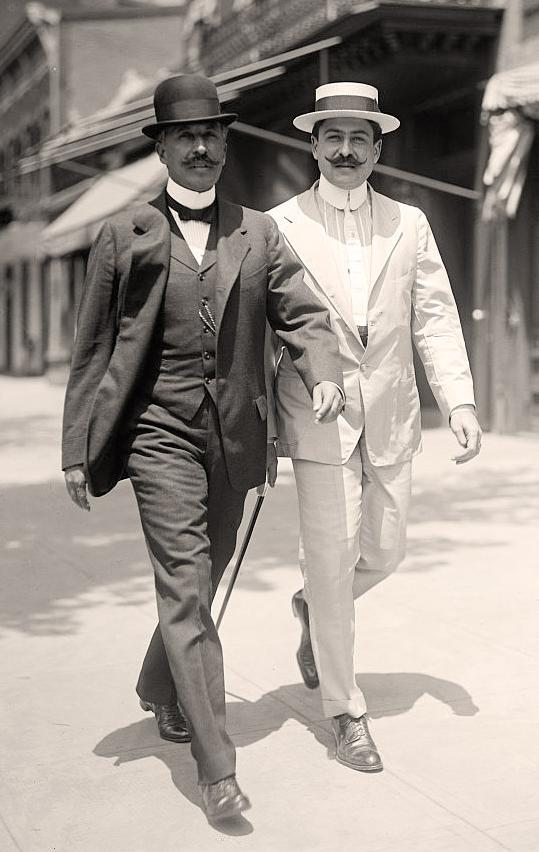 Generals    Felipe Angeles  and  Antonio I. Villarreal  in 1915