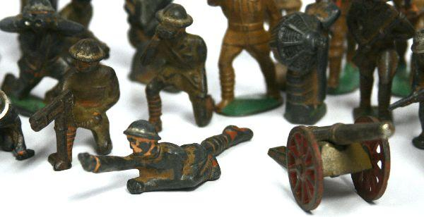 Manoil toy soldiers made in the 1920s and 1930s.
