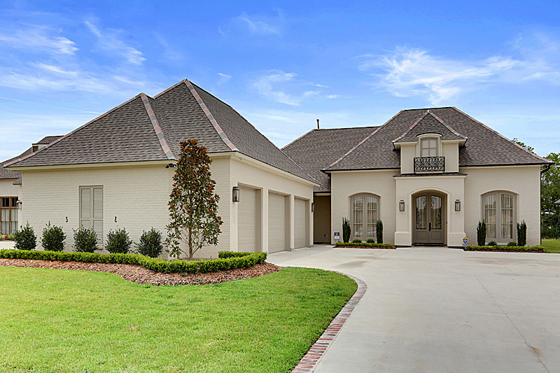 Exteriors cagley construction custom homes baton for Custom home builders lafayette la