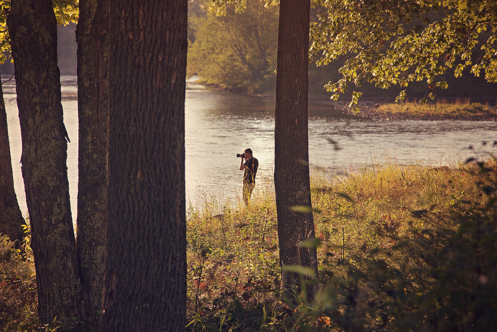 photographer-by-the-river-at-dusk-kennebec-river-maine-parisleaf.jpg