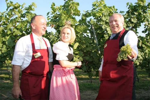 Weinbauer-mit-Michael-Hupl.jpg