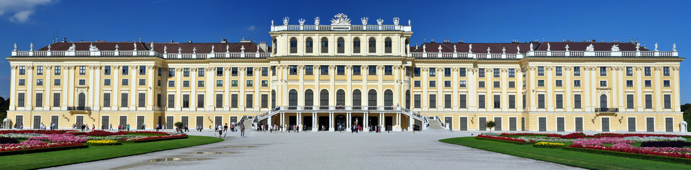 Schönbrunn,_Viedeň,_Rakúsko.jpg