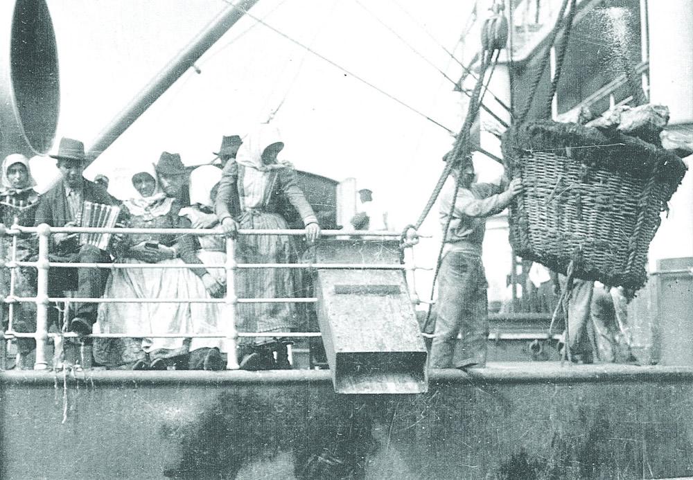 Emigrants aboard Austro-Americana