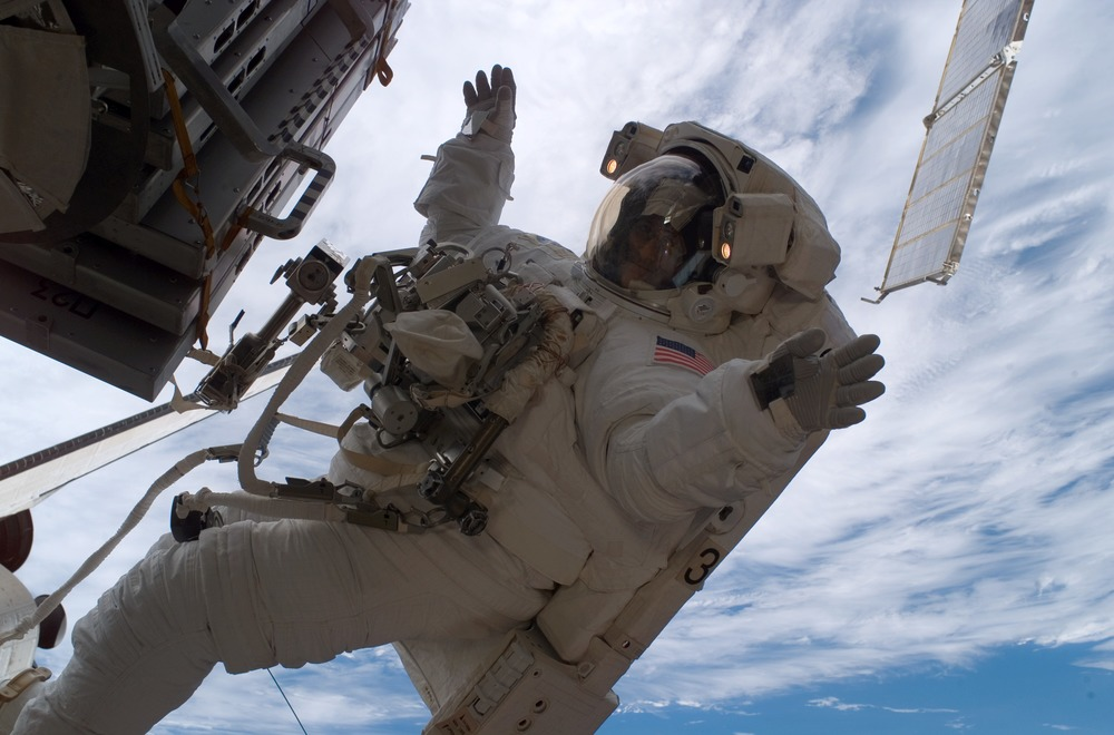 Sunita_Williams_astronaut_spacewalk.jpg