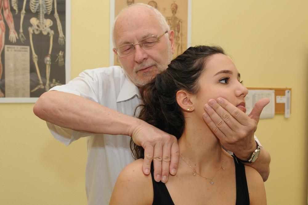 Csontkovács: csigolyaelcsúszás kezelése