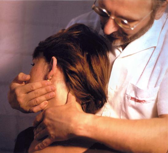 Dr. Ormos gyógytorna kiropraktika Budapest