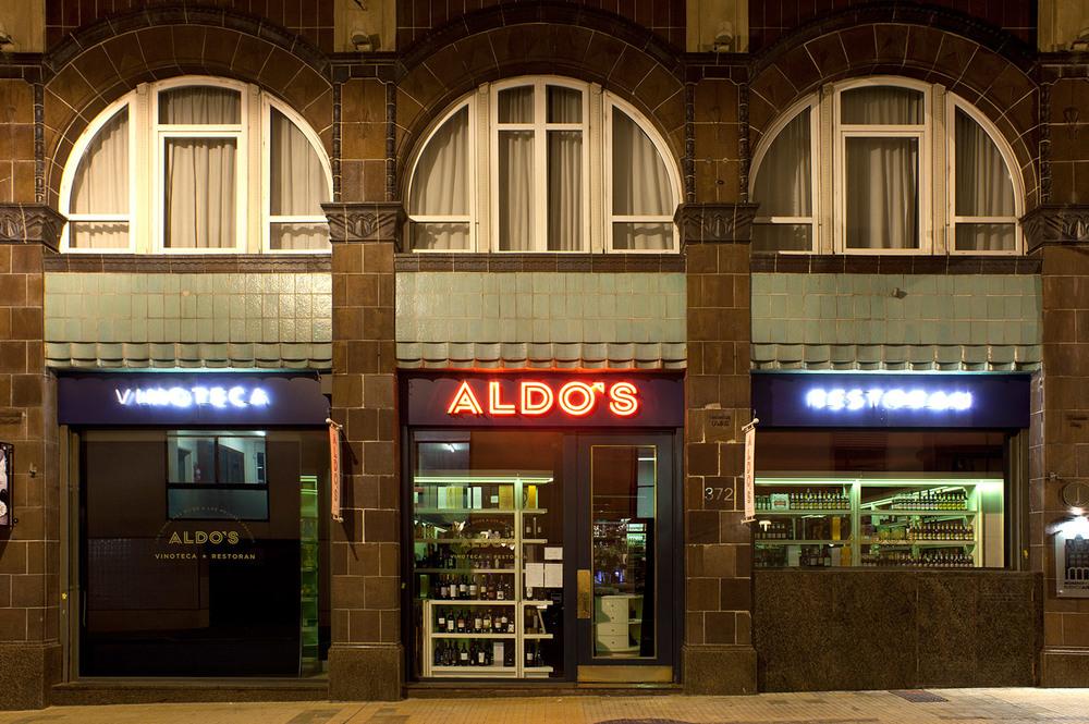 Aldo's — Facade