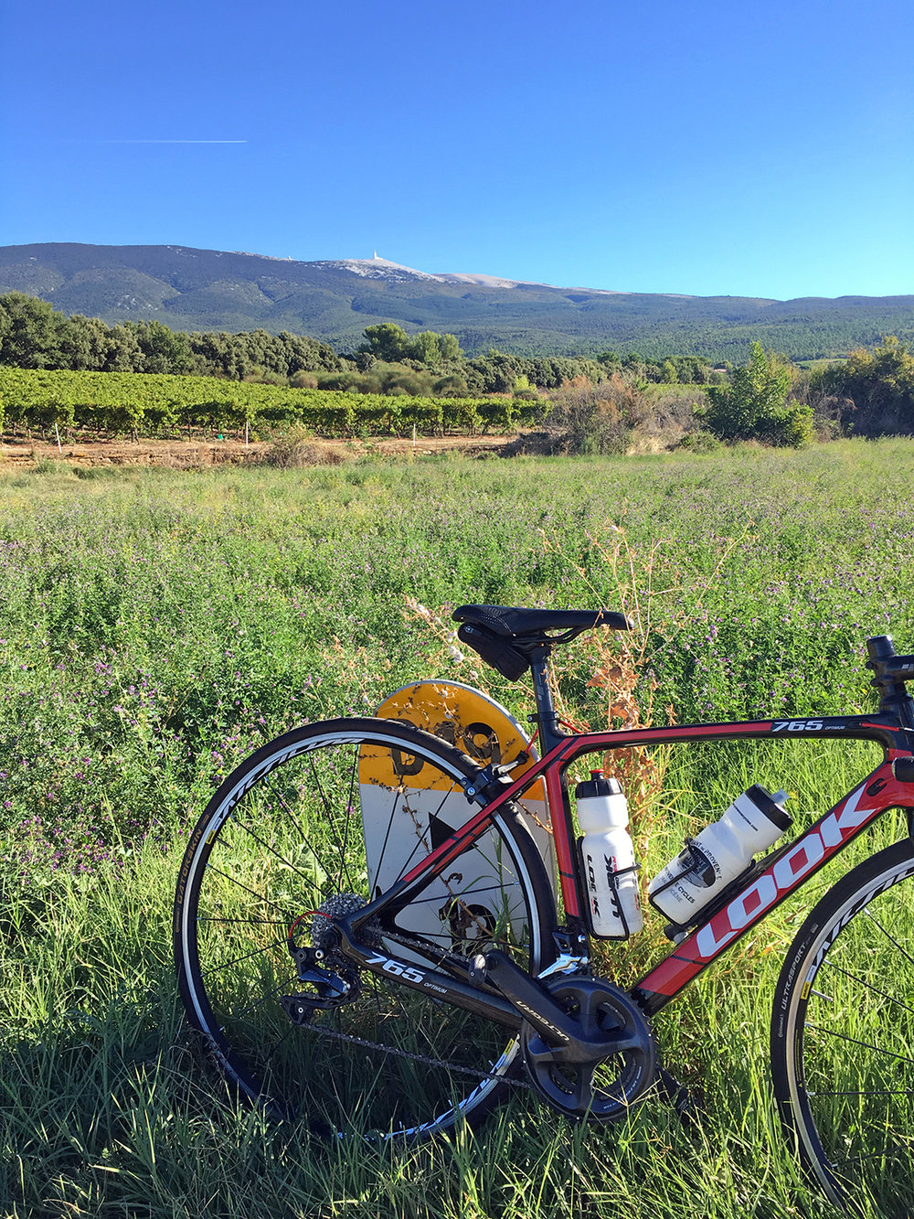 My rental: went to a shop in Bédoin where everyone is so much nicer so I could take advantage of this amazing first day of Autumn. Did a big, very hard loop, but what a perfect day for it!