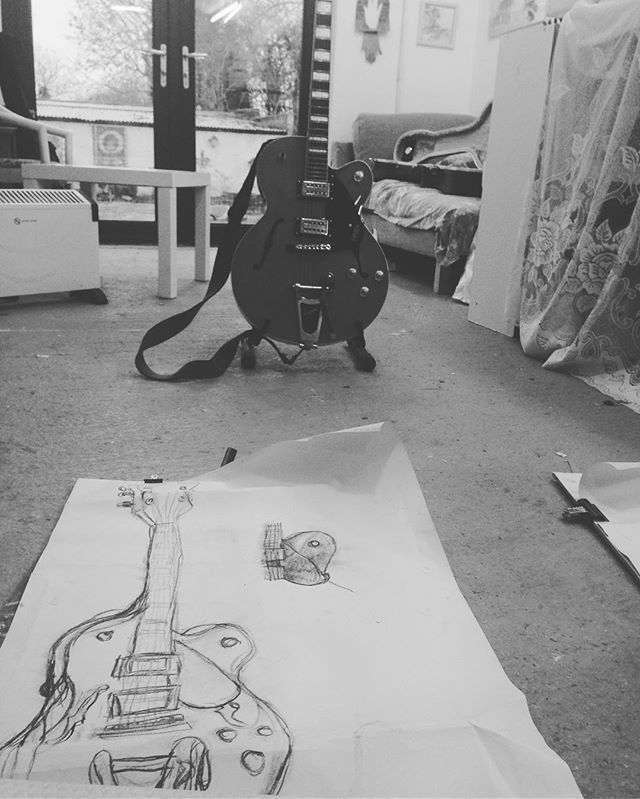 The girls are drawing guitars today! #rocknroll  #artclass