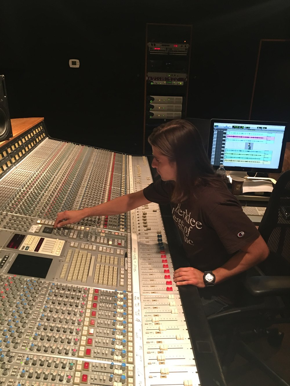 TONAH-Calderon-Music-Film-Composer-Producer-Dance-Pop-Electronic-Berklee-College-Of-Music-06