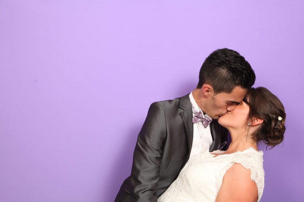 Kissing Wedding Photo Booth