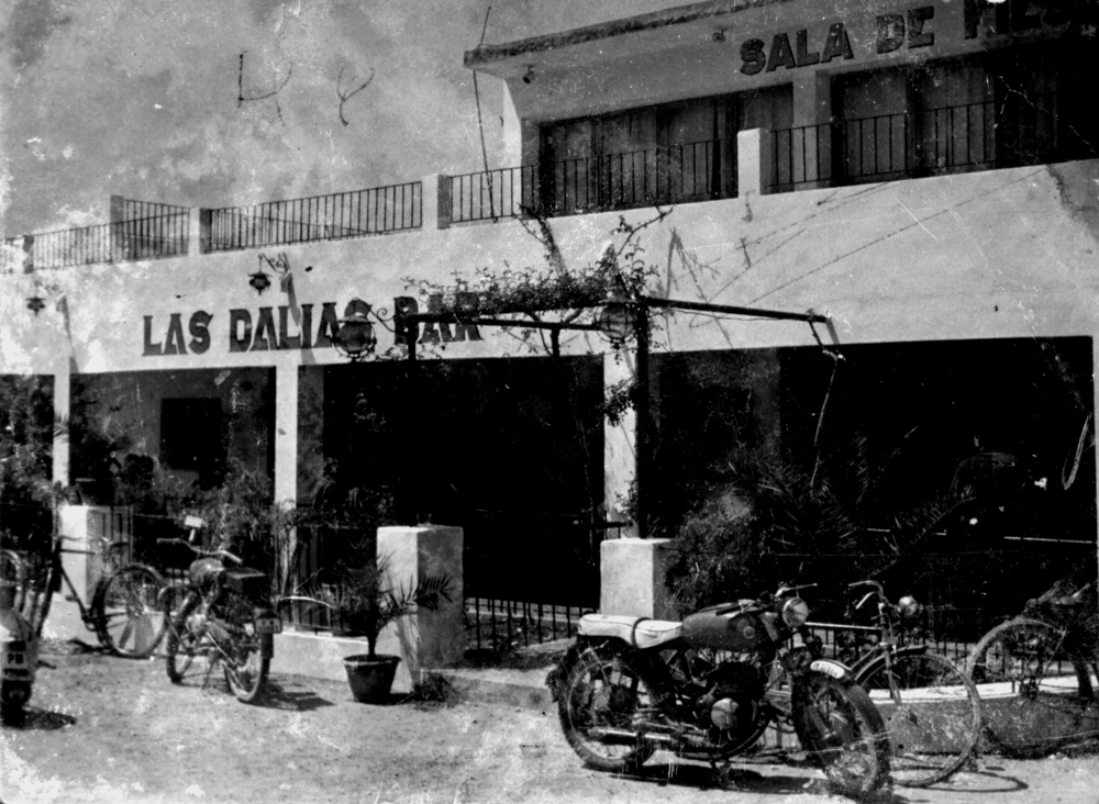 Dalias Fachada 50s.jpg