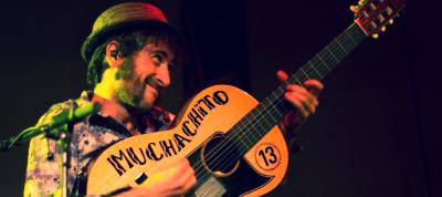 Muchachito_y_sus_Compadres_en_concierto_en_Tarragona.jpg
