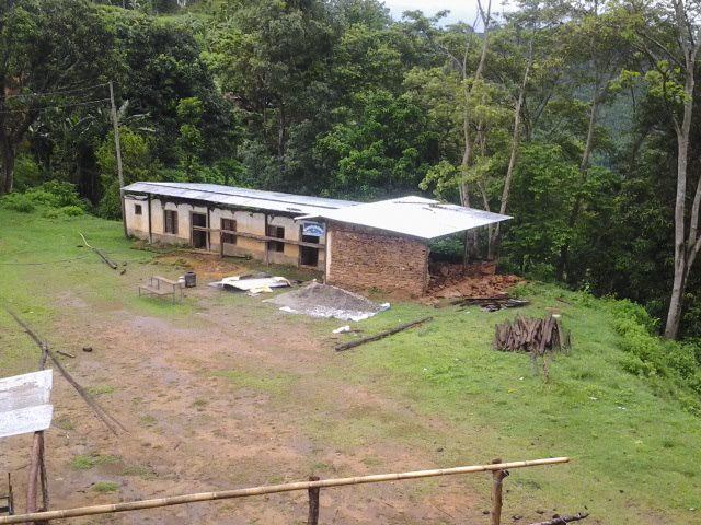 escuela en fase de reconstruccion.jpg