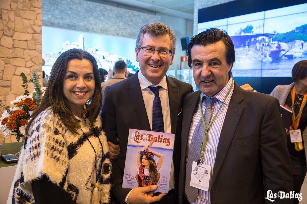 En el centro el presidente de Fomento del Turismo de Ibiza, Lucas Prats.