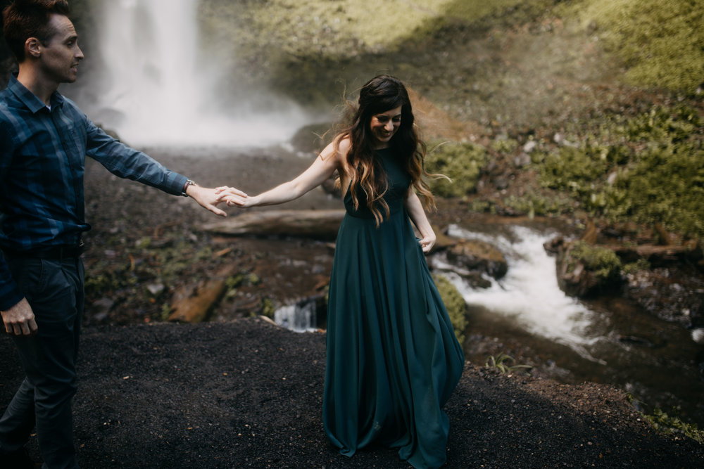 Nolan & Samantha - Oregon Engagement