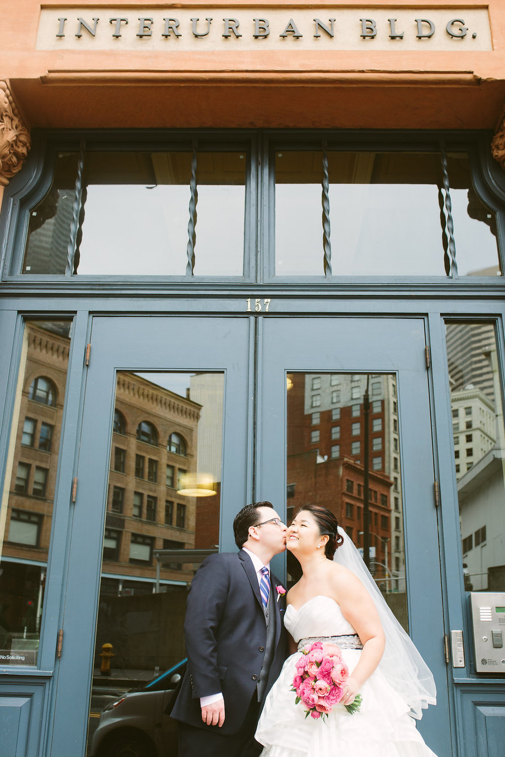 interurban_bldg_kiss
