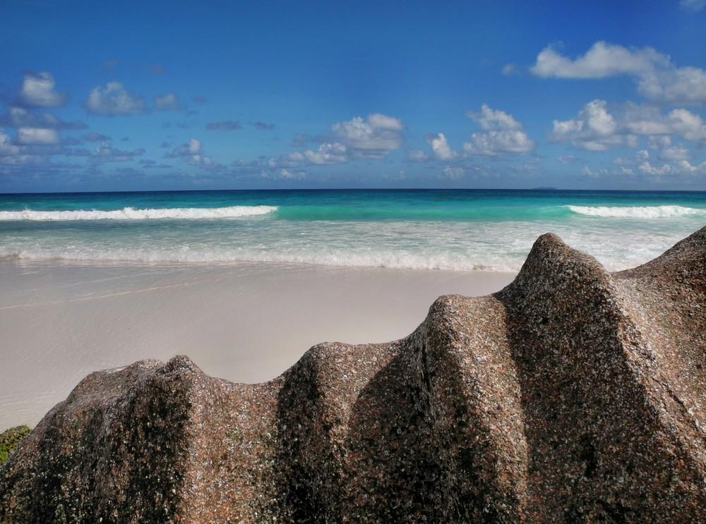 segeltoern-seychellen-petit-anse-auf-la-digue.jpg