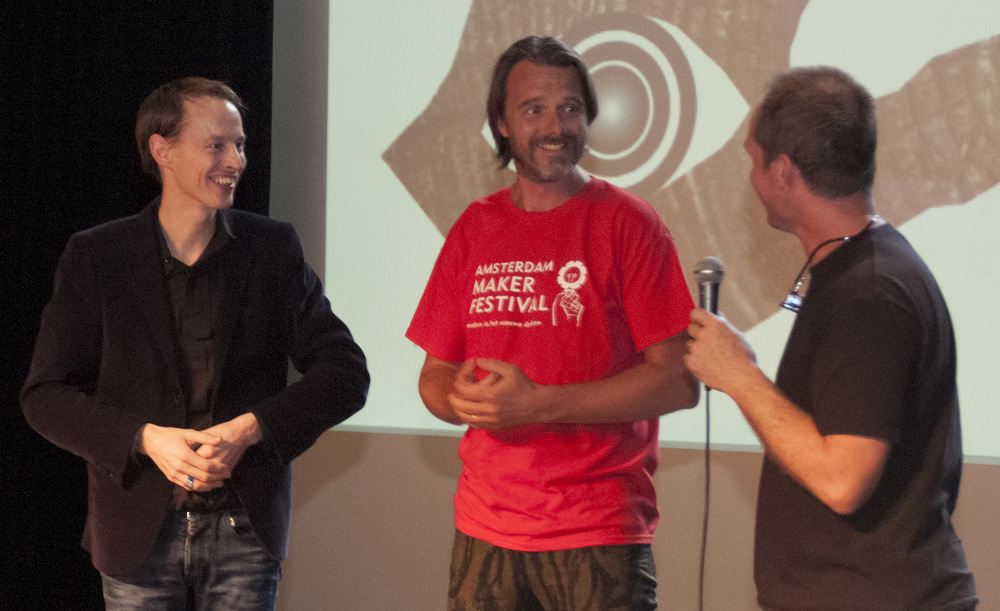 Post-screening discussion speakers:  Daan Roosegaarde (Dutch inventor, entrepreneur) : Info here Nathan Wiersma (Director Amsterdam Maker Festival) : Info here Marco Cochrane (Sculptor from San Francisco who made Truth is Beauty and Bliss Dance for Burning Man festival)