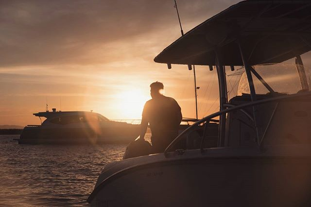 "The end of an insane ""On a boat"" content shoot with @ypthreads , couldn't have asked for a more beautiful #sunset to end the day. . . . . . . . #ypthreads #onaboat #sullysalegend #queensland #visitqueensland #stradbrokeisland #visitgoldcoast #australia #travel #sea #breeze #sun #goldenhour #elifrancis #igers #sillouette #waterisnice"