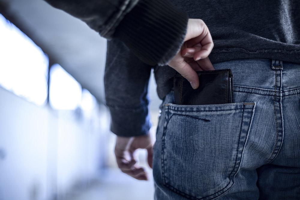 Wallet-theft.jpg