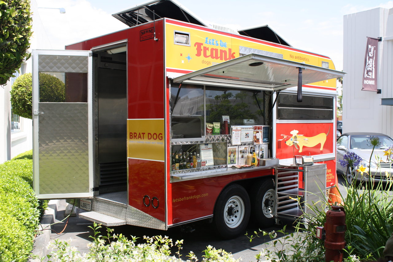 This is the Let's Be Frank hotdog truck in LA…the dogs and brat are extremely tasty and they have No anibiotics, No hormones, No nitrates. It was opened by an Alice Water's alum and there is a big chef following, http://www.letsbefrankdogs.com/