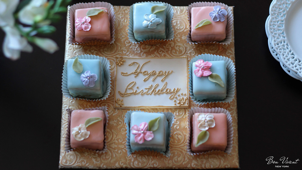 Birthday Petit cake platter and plaque