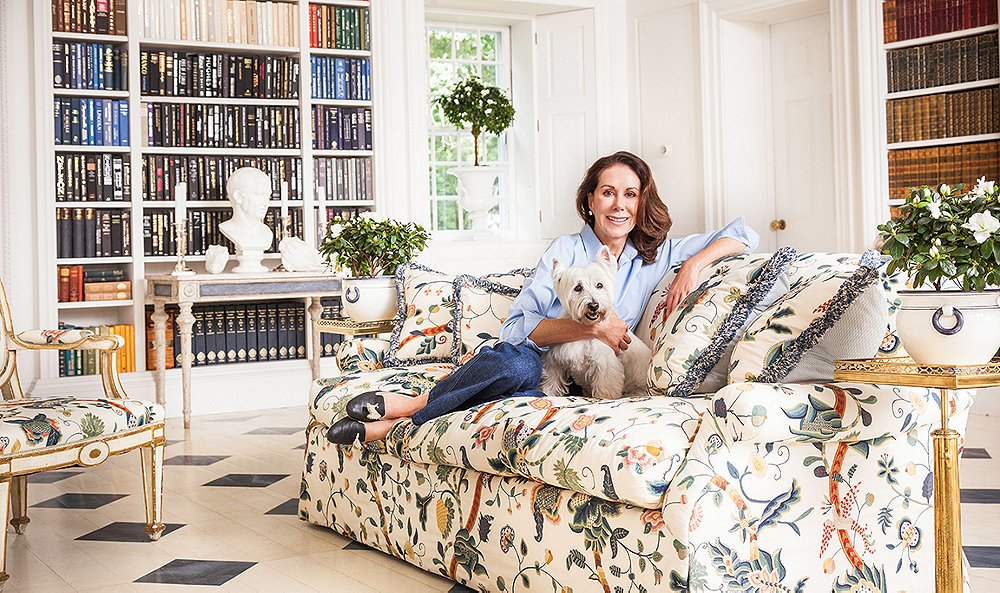 Carolyne Roehm is a style icon and lifestyle maven. Carolyne has been part of American design culture for over four decades, with a career spanning the fashion, gardening, entertaining, publishing and decorative arts worlds.